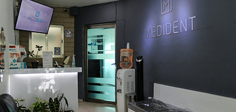 Cancún dental clinic lobby