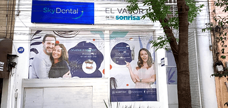 Mexico City dental clinic entrance