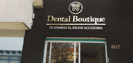 Oaxaca dental clinic entrance