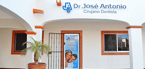 Los Cabos dental clinic entrance